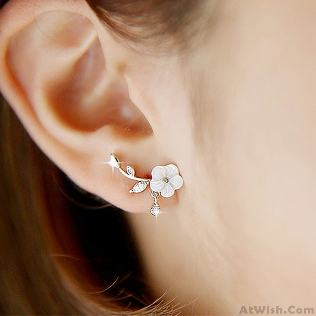 Unique Design Silver Shell Flower Shape Fashion Women Earring .