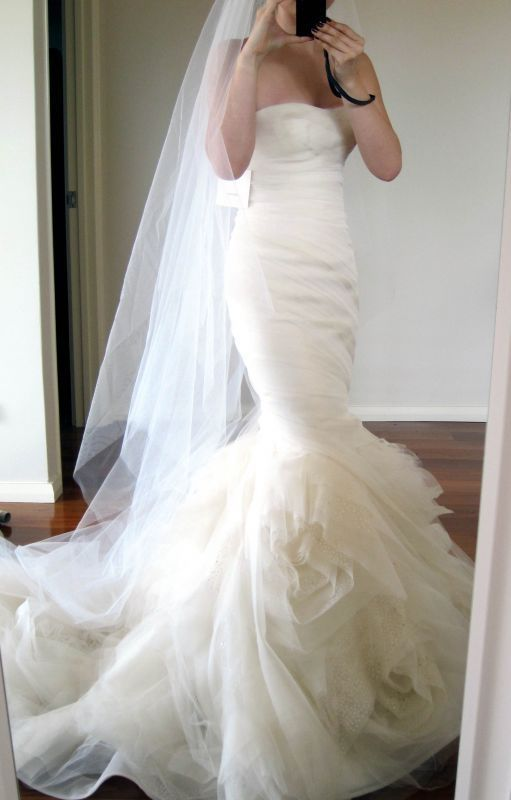 Vera Wang's 'Gemma' dress | Ivory wedding dress, Mermaid wedding .