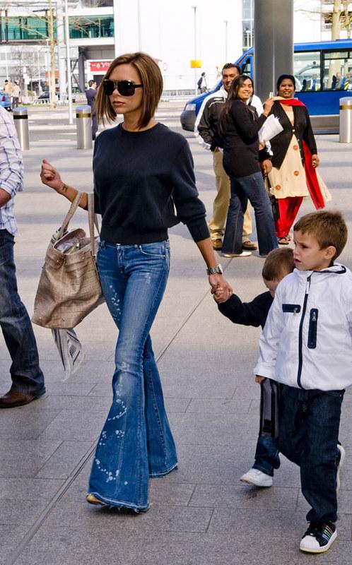 Victoria Beckham Flared Jeans Celebrity Style Women's Fash… | Flic