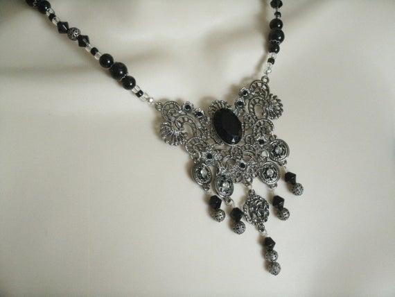Enchantress Necklace gothic jewelry victorian jewelry | Et