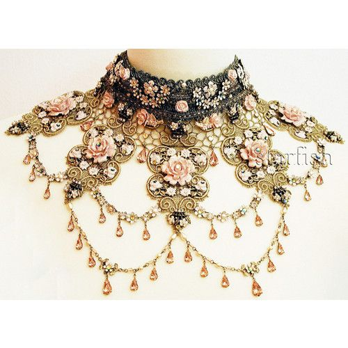 Detailed beautiful vintage necklace neck piece … in 2020 .