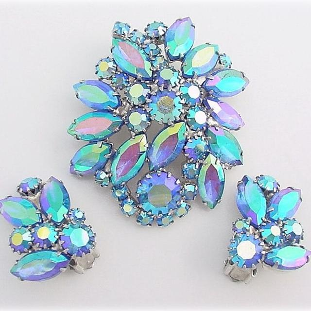 Best Vintage Costume Jewelry for sale in Scarborough, Ontario for 20