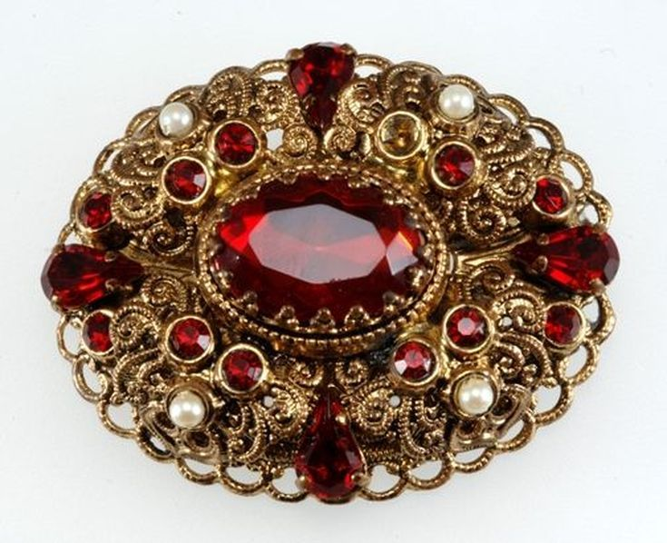 Learn How Much Your Vintage Costume Jewelry is Worth in 2020 .