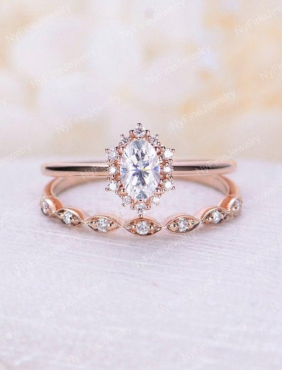 Vintage engagement ring set Oval cut Moissanite engagement | Et