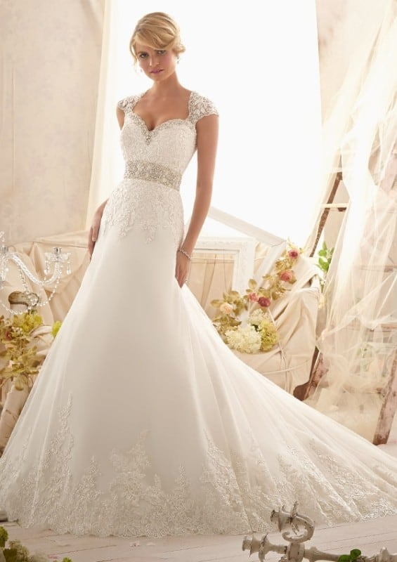 Rules for Your Beach Wedding Gown - New Jersey Bri