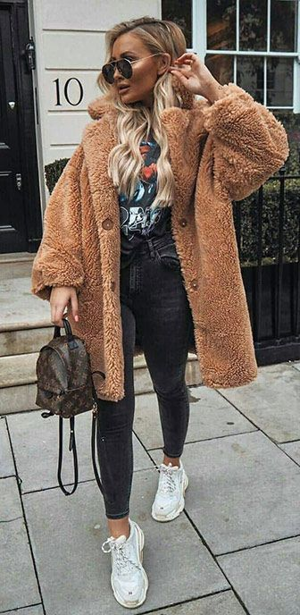 45 Lovely Winter Outfits to Own Now Vol. 1 / 04 #Winter #Outfits .