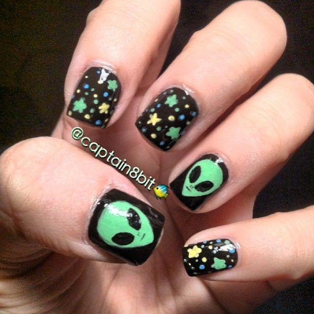 Pin by Kandi Williamson on Nails!! | Alien nails, Nail art designs .