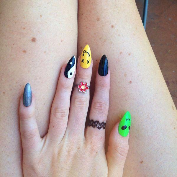 23 Alien Nail Art Design Ideas | Holographische nägel, Spitze .