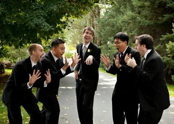 Awesome Groomsmen Who Took Their Wedding Photos To The Next Level .
