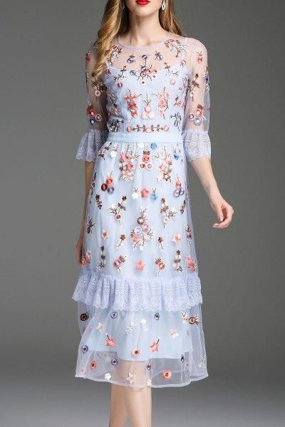 Beautiful floral dresses for any occasion - With Fashi