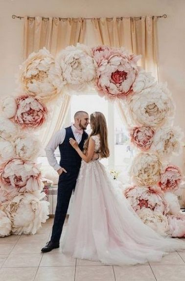 40+ Beautiful Paper Flower Wedding Backdrop Ideas | Diy wedding .