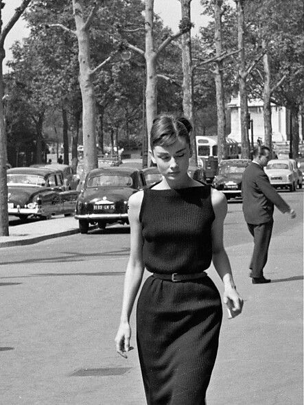 Pin by Hanouf Hammad on classic | Audrey hepburn style outfits .