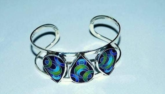 A beautiful sterling silver enamel bracelet, unique piece of .