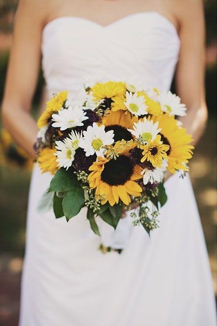 sunflower bouquet | Daisy bouquet wedding, Bridal sunflowers, Fall .