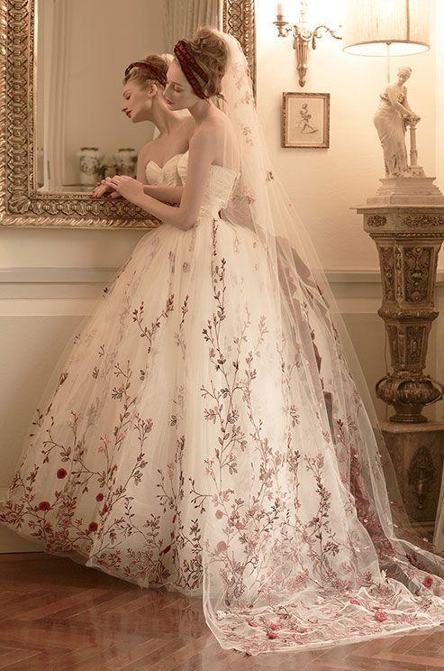 50 Best Florat Wedding Dress Ideas | Embroidered wedding, Wedding .