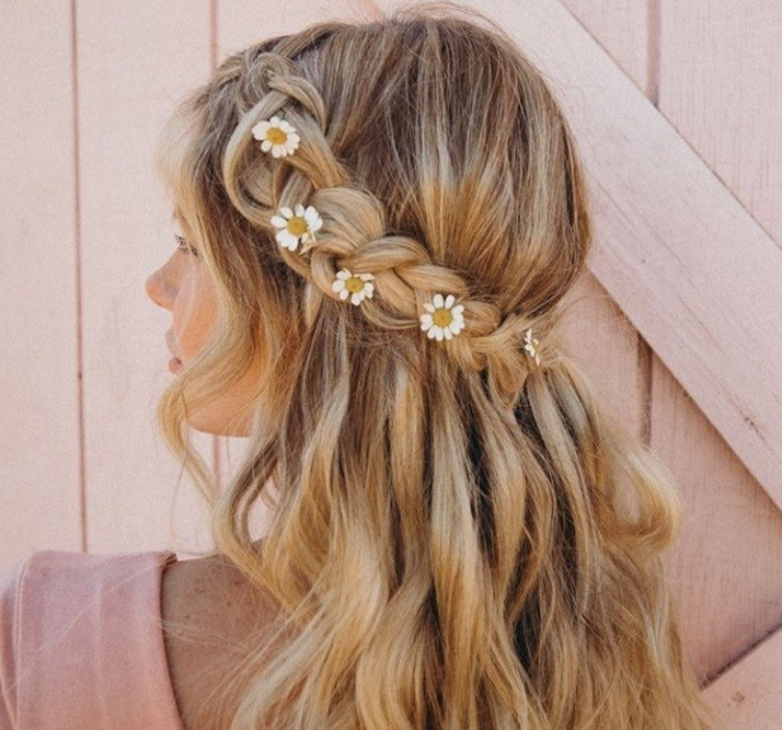 30 Best Half Up, Half Down Prom Hairstyles | All Things Ha