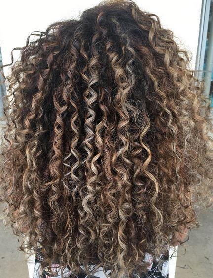 Naturally Curly Hair Ideas 45 | Hair styles, Dyed curly hair .