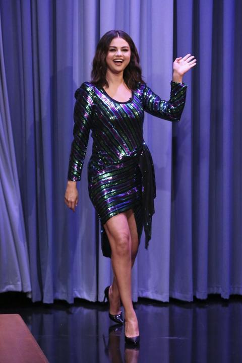 Selena Gomez Style Pictures - Fashion Photos of Selena Gom