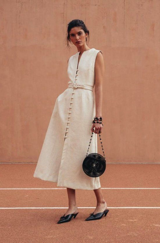 15 The best trend women's street styles - Maxi dress street .