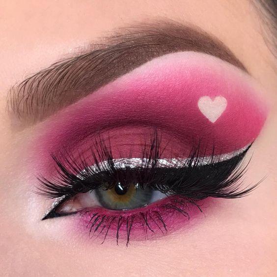 25+ Valentine's Day Makeup Look Ideas - BeautyBrainsBlu