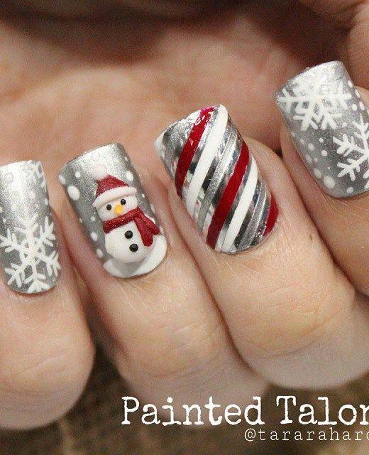 21 Fabulous and Easy Christmas Nail Designs: #7. Fashionable .
