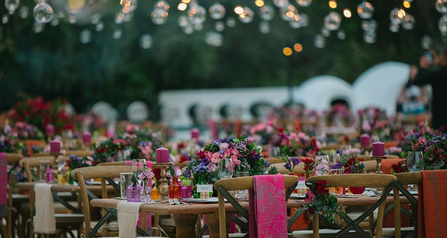 Gorgeous Ideas For A Stunning Colorful Wedding - Chic & Stylish .