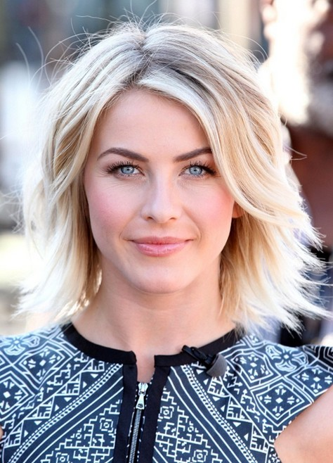 2014 Julianne Hough Short Hair Styles: Cute Layered Haircut .