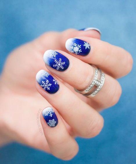 Festive Holiday Nail Art That Isn't Cheesy | Christmas nails easy .
