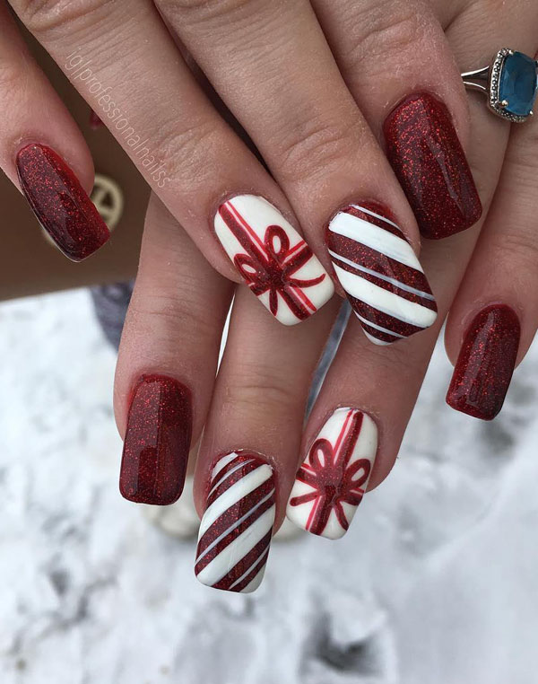 60 Festive Christmas Nail Art Designs & Ideas for 2019 – Page 39 .