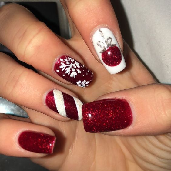 80 Festive Christmas Nail Art Ideas | Cute christmas nails .