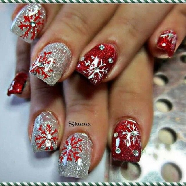 30 festive Christmas acrylic nail designs | Christmas nails .