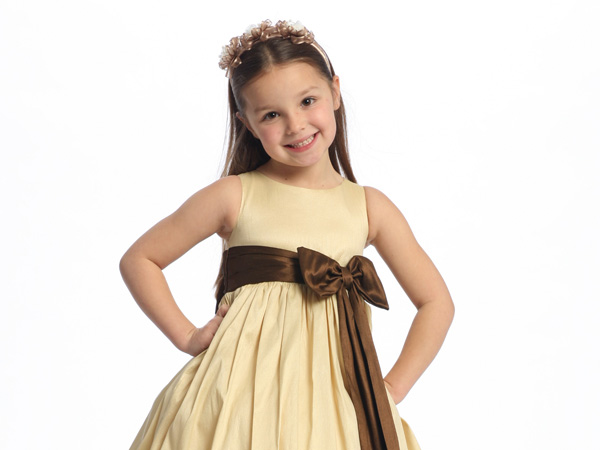 Flower Girl Etiquette: Who Pays For The Flower Girl Dresses .