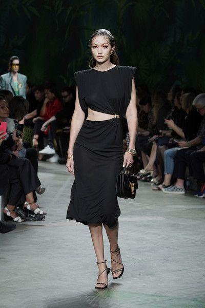 Gigi Hadid Photos Photos: Versace - Runway - Milan Fashion Week .