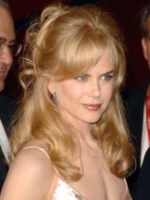 19 Celebrities Sporting Great Bangs | Celebrity hairstyles .