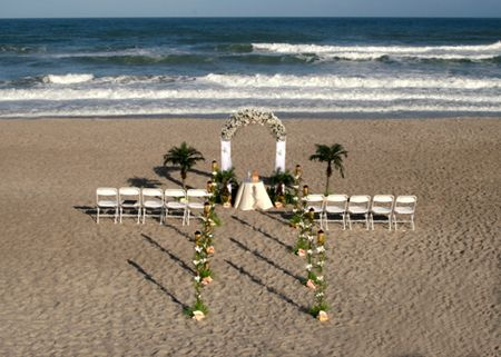 Cheap beach wedding ideas | Cheap beach wedding, Small beach .
