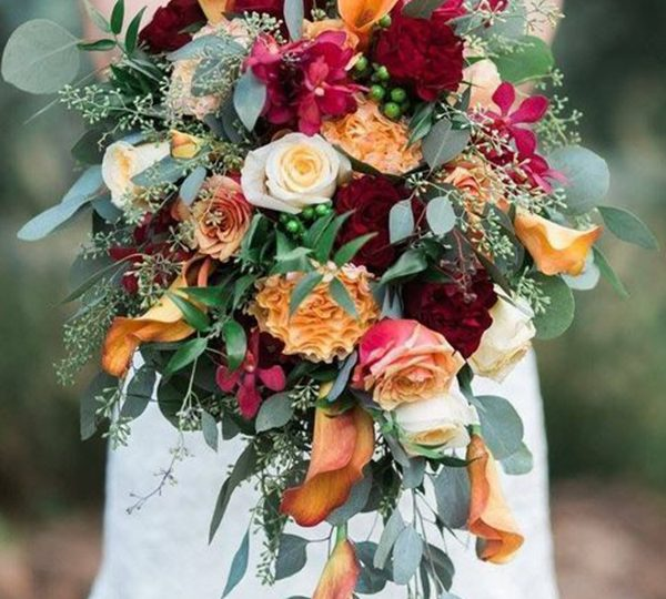 Amazing Fall Wedding Flower Ideas Including Bridal Bouquets and Deco