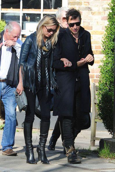 Kate Moss Photos Photos: Kate Moss & Jamie Hince Walk Arm In Arm .