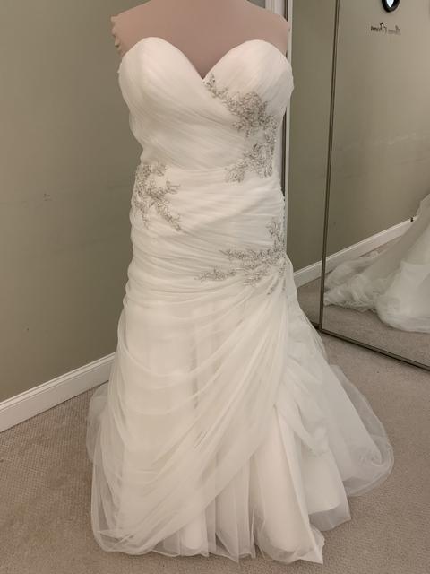 Kenneth Winston 1700 Wedding Dress | Sample, Size: 18, $4