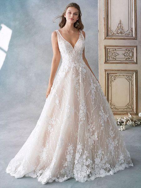 Courtesy of Kenneth Winston Wedding Dresses; www.kennethwinston .