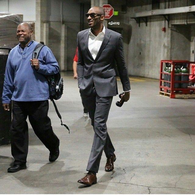 Kobe-Bryant-two-button-suit-1.jpg (640×640) | Nba fashion, Kobe .