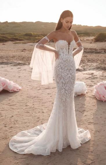 LEE PETRA GREBENAU // ALEXIS GOWN | Lace mermaid wedding dress .