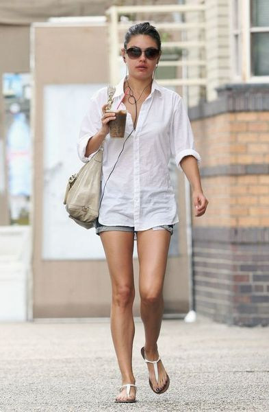 11 Mila Kunis Casual Style Inspiration | Celebrity style casual .