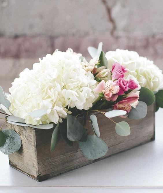 a-modern-diy-hydrangea-wedding-centerpiece - Ideal