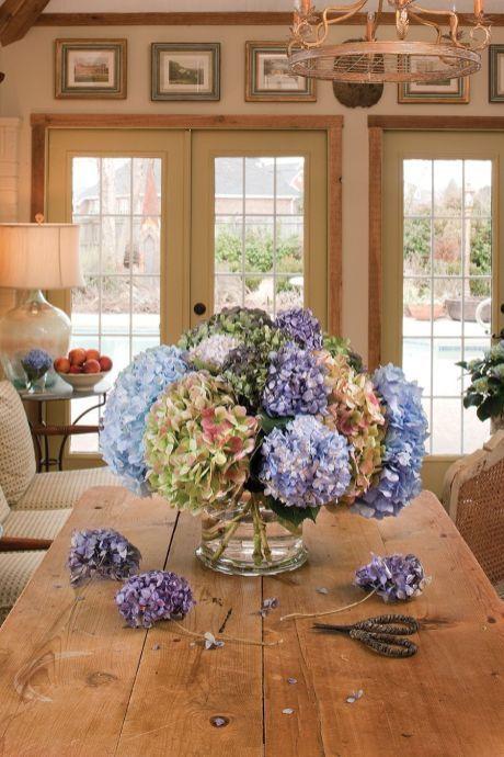 50+ Modern DIY Hydrangea Centerpiece | Dried hydrangeas, Hydrangea .
