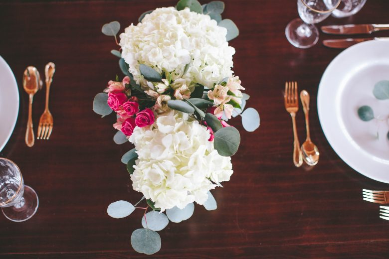 How To: A Modern DIY Hydrangea Centerpiece That Anyone Can Make .