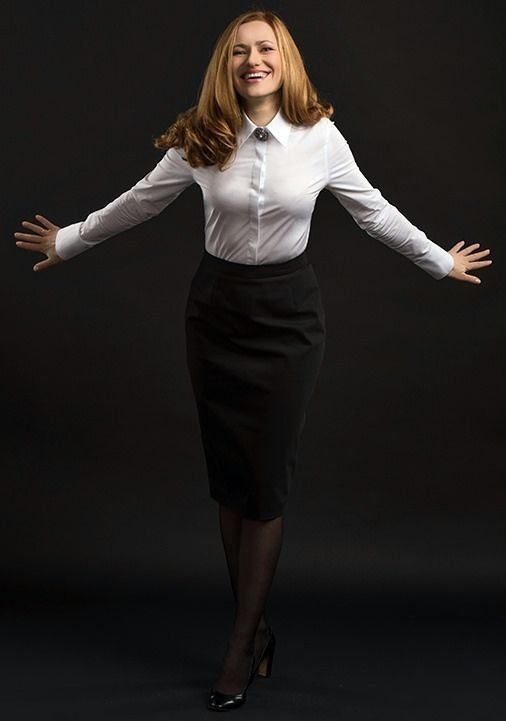 15 Appropriate Monochrome Business Suit For Daily Working Hour .