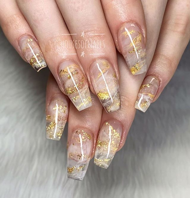 Gorgeous New Year's Eve Nail Art Ideas For Glam Loo