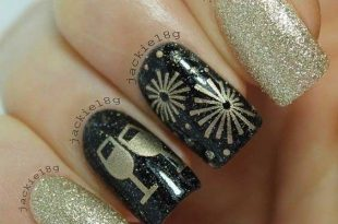 31 Snazzy New Year's Eve Nail Designs   StayGlam   New years nail .