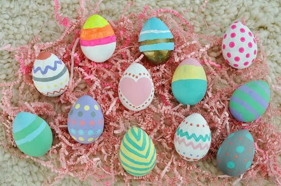 15 Nice Vulnerable Easter Rock Paints Easy To Do | Easter egg .