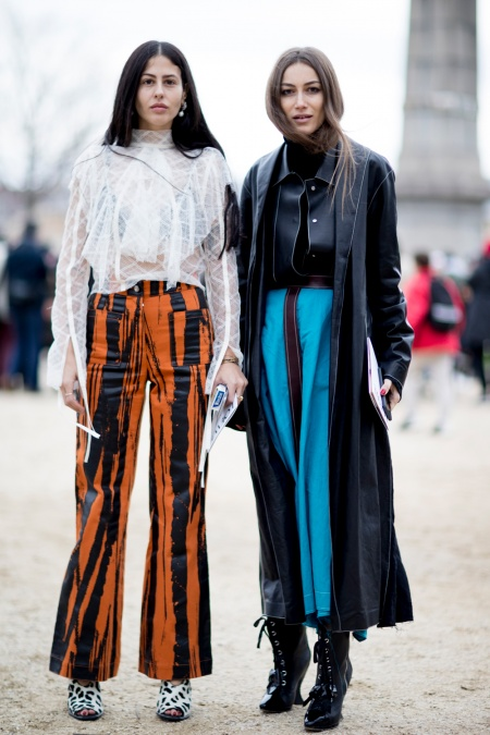 Street Style from Paris Fashion Week Fall/Winter 2017 - Savoir Fla